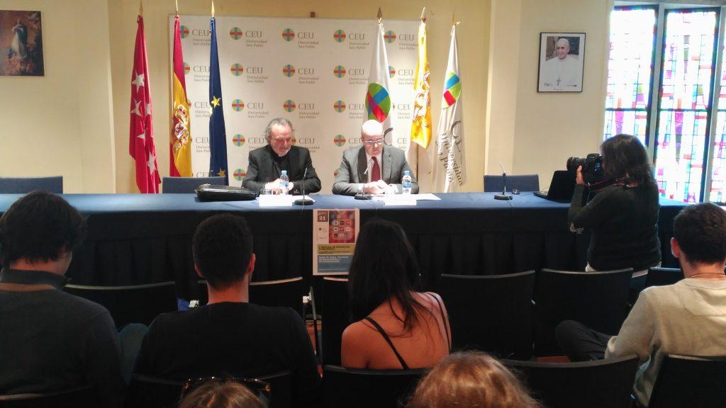 Juan Carlos Ramos, Director General de la Fundación COPE, y José Mª Legorburi, Decano de Humanidades en la Universidad CEU San Pablo, inauguran la I Jornada de Innovación Radiofónica